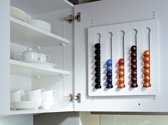 Cuisine 10 astuces de rangement simplement organis e - Tiroir range capsule dolce gusto ...